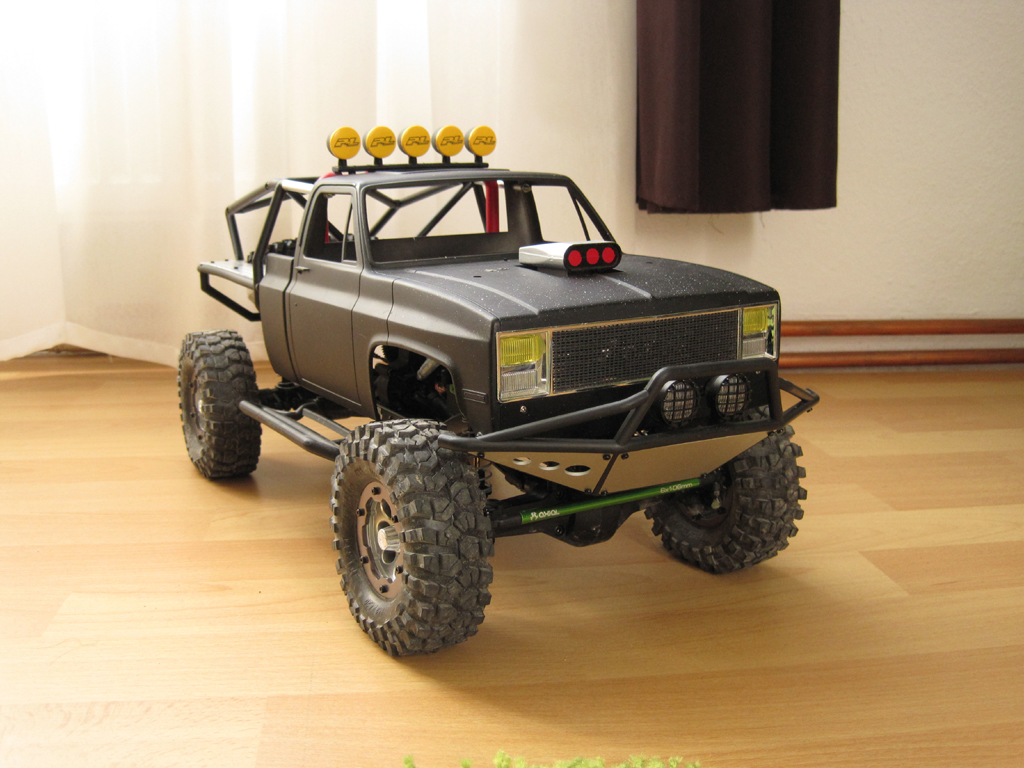 Axial SCX10 Chevy V8
